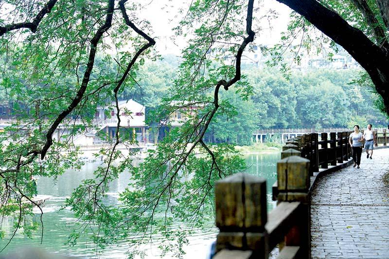 组图:淦河游憩带 绿了两岸  美了香城