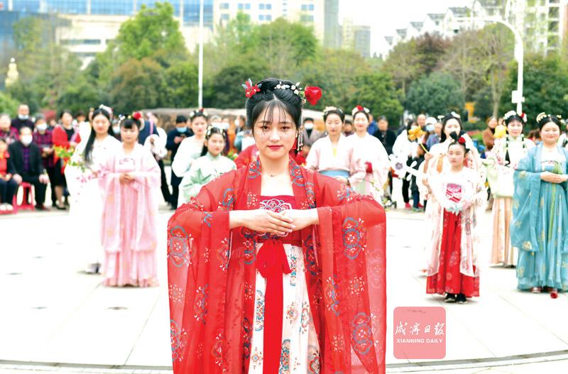 组图:花朝节里祭花神