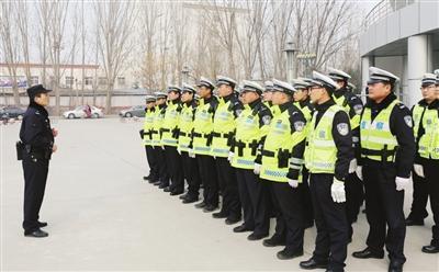 咸宁市领导到民兵训练基地检查督导专项培训工作