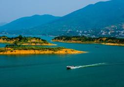 咸宁市领导调研时要求确保实现水清岸绿景美