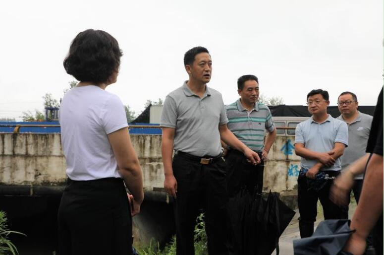 咸寧市領導汛期實地巡察汀泗河治理及防汛工作