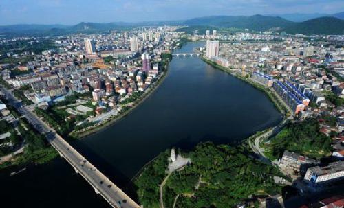 咸寧市領導在赤壁調研要求強化現場督辦全力迎考