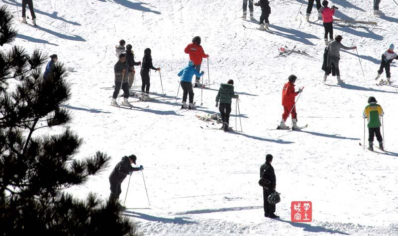 图文:九宫山滑雪场