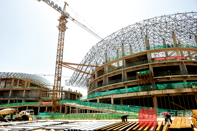 图文:通山文体中心主体工程完工