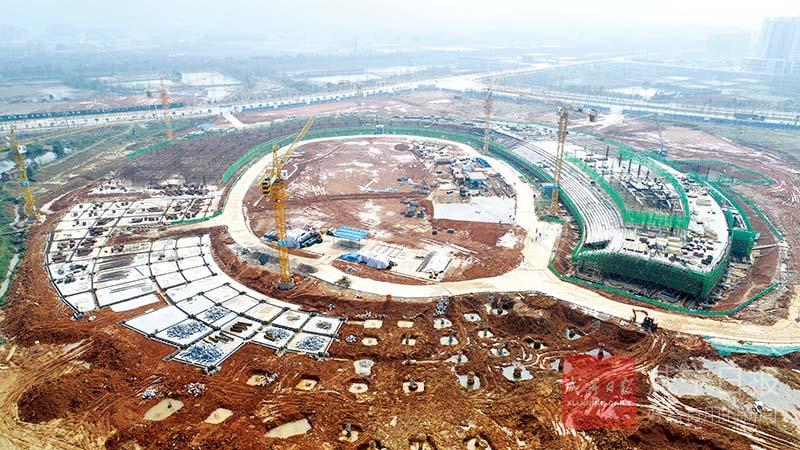 图文:赤壁体育中心预计年底完工