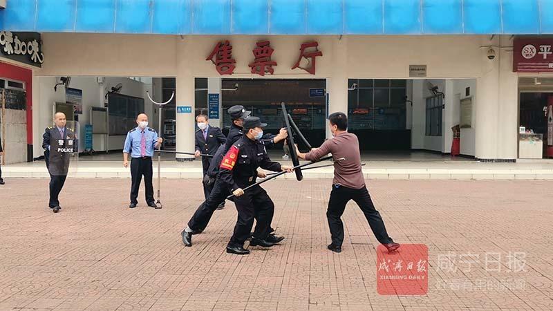 图文:反恐防范应急演练