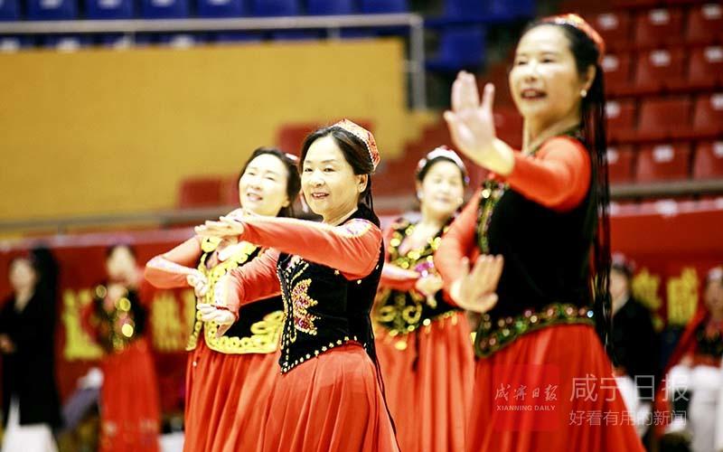 图文:欢庆三八妇女节