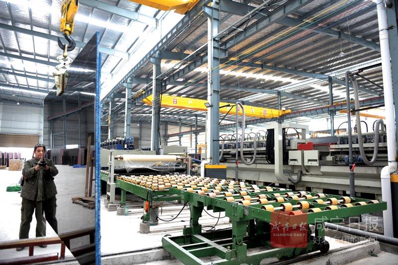 图文:引进生产线  产能创新高