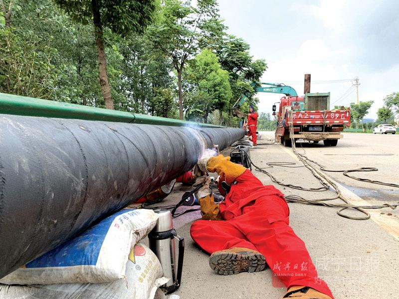 图文:高铁岭镇应急供水项目建设正酣