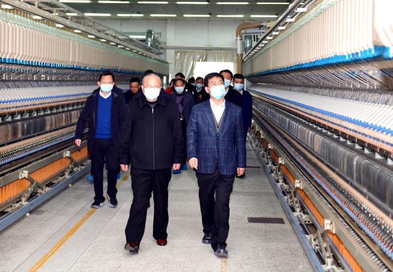 孟祥伟率队深入咸宁高新区和通山县开展走访调研