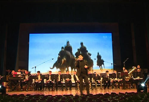 慶祝改革開放四十周年  赤壁舉行原創音樂會