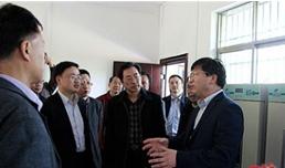 省农业专家来咸安调研院士专家工作站情况