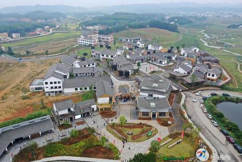 咸安高桥白水畈萝卜公社景区  开园迎来游客潮