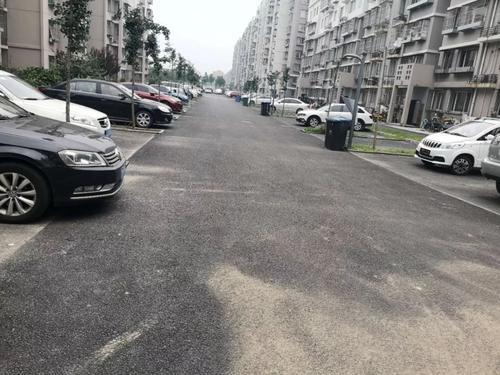 浮山街道辦事處青龍社區增設停車位 緩解停車難
